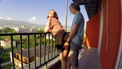 Коронавирус секс развратной молодой пары на балконе